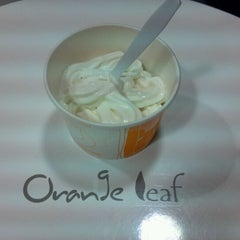 Photo taken at Orange Leaf Frozen Yogurt by wjcollier3 on 11/18/2011