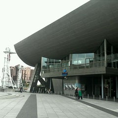 Photo taken at The Lowry by Ha K. on 9/11/2011