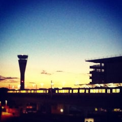 Photo taken at Brisbane Domestic Terminal by Steven L. on 11/27/2011