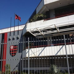 Photo taken at Clube de Regatas do Flamengo by Chinima Kelly A. on 5/29/2012
