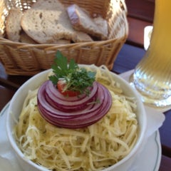 Photo taken at Altstaufner Einkehr by Benjamin B. on 6/16/2012