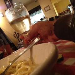 Photo taken at Italianni's by Eliut F. on 7/21/2012
