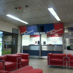 Photo taken at Airport Bus Service by Ana F. on 10/16/2011