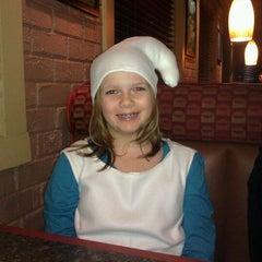 Photo taken at Pizza Hut by Jen J. on 11/1/2011