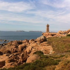 Photo taken at Phare de Ploumanac'h by Matthieu M. on 8/19/2011