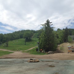 Photo taken at Mount Snow Main Base Lodge by Ran F. on 5/26/2012