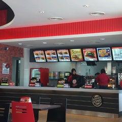 Photo taken at Burger King by Goh D. on 4/26/2012