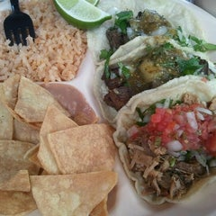 Photo taken at Pinches Tacos by Yezel R. on 4/14/2012