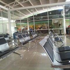 Photo taken at Terminal de Autobuses Nuevo Milenio de Zapopan by Richi D. on 7/21/2012