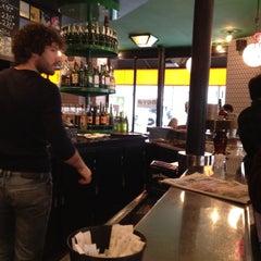 Photo taken at Swinging Londress by Mo' on 2/25/2012