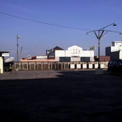 Photo taken at Singosaren Plaza by Planetkesepuluh S. on 8/31/2012