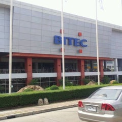 Photo taken at BITEC (ศูนย์นิทรรศการและการประชุมไบเทค) by Kan K. on 2/16/2012