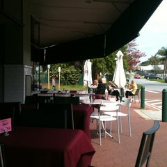 Photo taken at Coode Street Cafe by Yewan on 8/19/2012