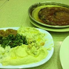 Photo taken at Al-Fakhar Turkish Restaurant | مطعم الفخار by Mazen A. on 3/29/2012