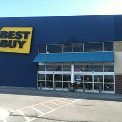 Photo taken at Best Buy by Benton on 6/19/2012