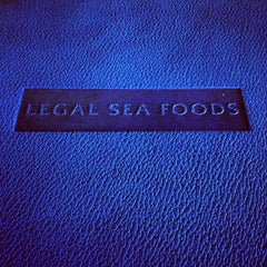 Photo taken at Legal Sea Foods - Downtown Atlanta by Kyle L. on 5/13/2012