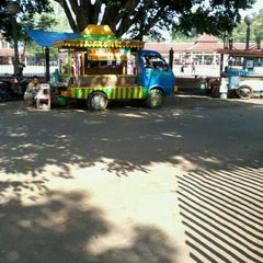 Photo taken at Alun-Alun Kota Serang by Rika P. on 4/9/2012
