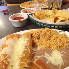 Photo taken at Las Palmas Mexican Restaurant by Heather L. on 9/7/2012