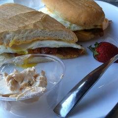 Photo taken at Gott Gourmet Café by Erin N. on 3/24/2012