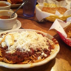 Photo taken at Vince's Spaghetti by Althealorrainne O. on 8/12/2012