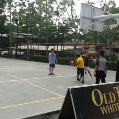 Photo taken at Basketball Court Prima Avenue (PADI) by Howard K. on 5/12/2012