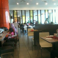 Photo taken at McDonald's & McCafé by Aiman A. on 4/1/2012