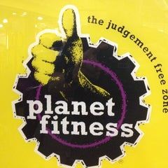 Photo taken at Planet Fitness by Howard K. on 8/7/2012