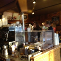 Photo taken at The Coffee Bean & Tea Leaf® by K B. on 3/25/2012