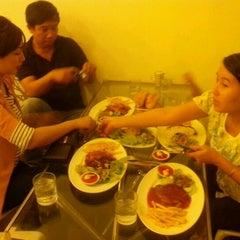 Photo taken at Bit Tet TiTi French Restaurant by Dương H. on 3/10/2012