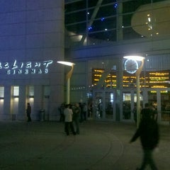 Photo taken at ArcLight Cinemas by Matthew C. on 7/20/2012