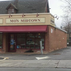 Photo taken at Mo's Midtown by Tom C. on 3/16/2012