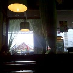 Photo taken at Warung Nasi Udin by Nongmamam ~. on 2/27/2012