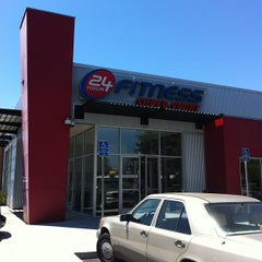 Photo taken at 24 Hour Fitness by Jimmy Q. on 7/20/2012