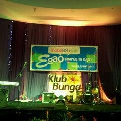 Photo taken at Klub Bunga Butik & Resort by Soni N. on 4/12/2012