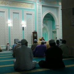 Photo taken at Masjid Ridzwaniah by Mohd Amrizal I. on 3/3/2012