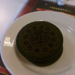 Photo taken at Steak 'n Shake by Deardra L. on 3/18/2012