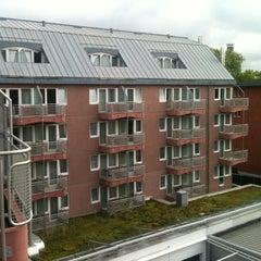 Photo taken at Mercure Hotel & Residenz Frankfurt Messe by Tim Z. on 8/25/2012