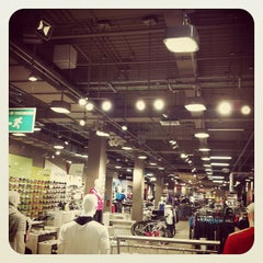 Photo taken at Falabella by Cristian A. on 8/28/2012
