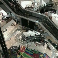 Photo taken at Shopping D by Raffael B. on 4/13/2012