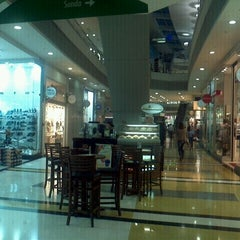 Photo taken at BoaVista Shopping by Wagner R. on 3/29/2012