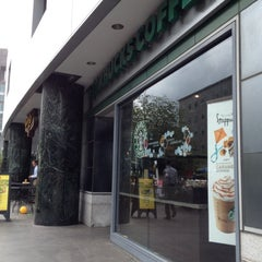 Photo taken at Starbucks by Isaac P. on 5/23/2012