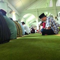 Photo taken at Masjid Al-Hasanah by Nizam or J. on 6/1/2012