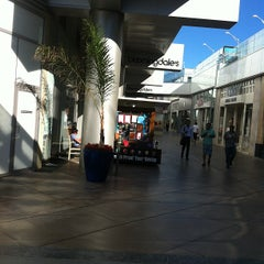 Photo taken at Bloomingdale's by Rick M. on 6/26/2012