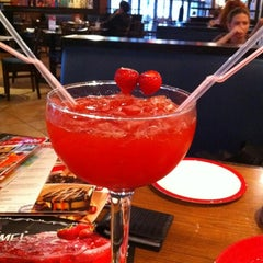 Photo taken at T.G.I. Friday's by Ксения Щ. on 8/23/2012