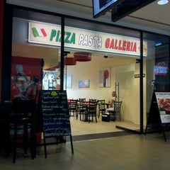 Photo taken at Pizza Galleria by Rommel R. on 8/13/2012