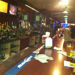Photo taken at Tracks Raw Bar & Grill by Graves S. on 5/19/2012