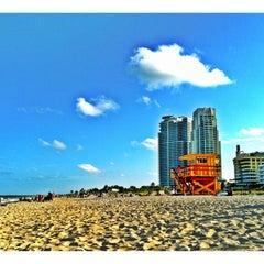 Photo taken at 2nd Street Beach by Tu M. on 4/18/2012
