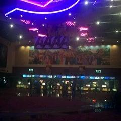 Photo taken at Edwards South Gate  20 & IMAX by Jasmine G. on 5/8/2012