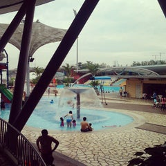 Photo taken at Sengkang Swimming Complex by Jesser B. on 5/5/2012