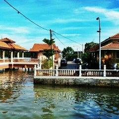 Photo taken at Kuala Gula Sanctuary Resort by Afzai A. on 5/5/2012